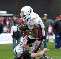 Lions fight to come back against the Raiders (c) EFAF