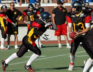 Daniel Berg runs for 173 Yards to earn the German MVP Titel but could not prevent the french win (c) EFAF