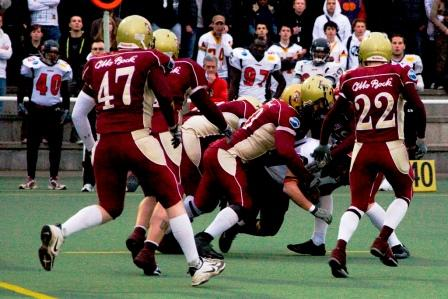 Templiers Gang tackling in the first Quarter (c) EFAF